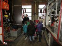 2019-02-06 Grundschüler besuchen Feuerwehr (1)